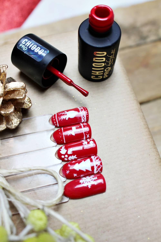świąteczne wzorki na paznokciach