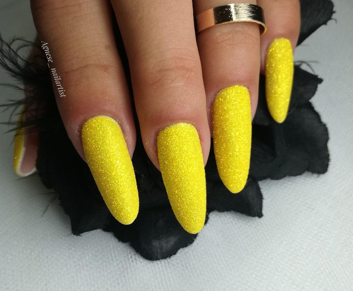 żółte neonowe paznokcie zdjęcia