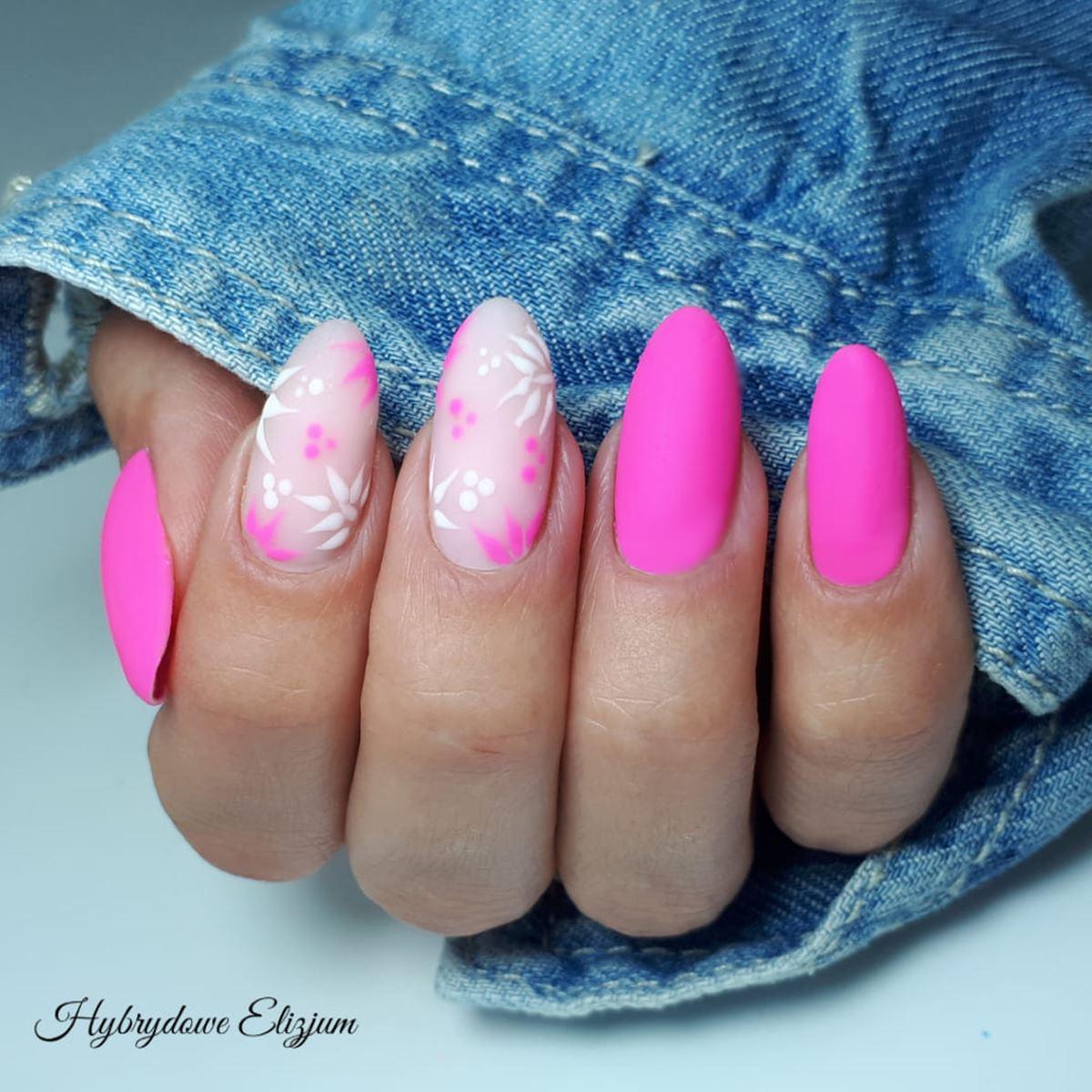 matowe neonowe paznokcie