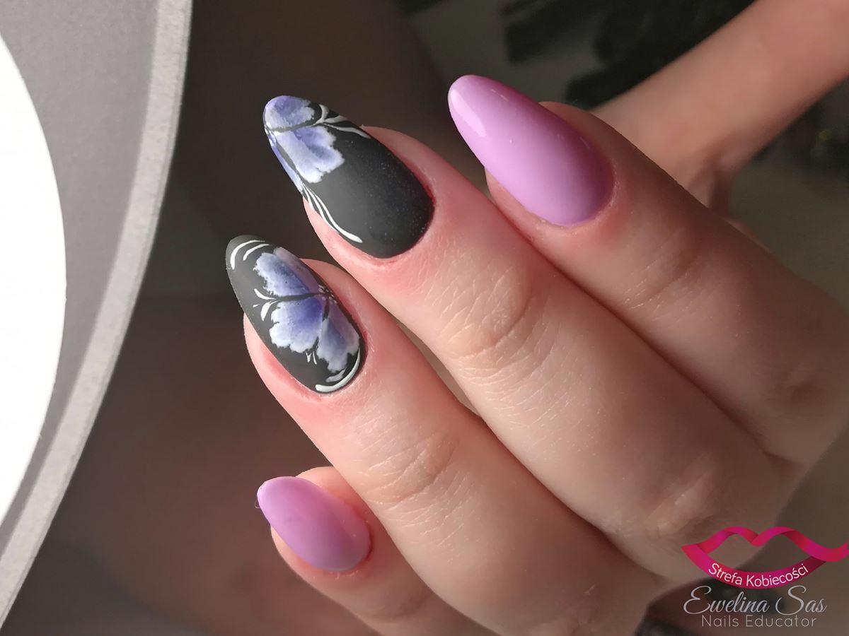 różowe paznokcie szare