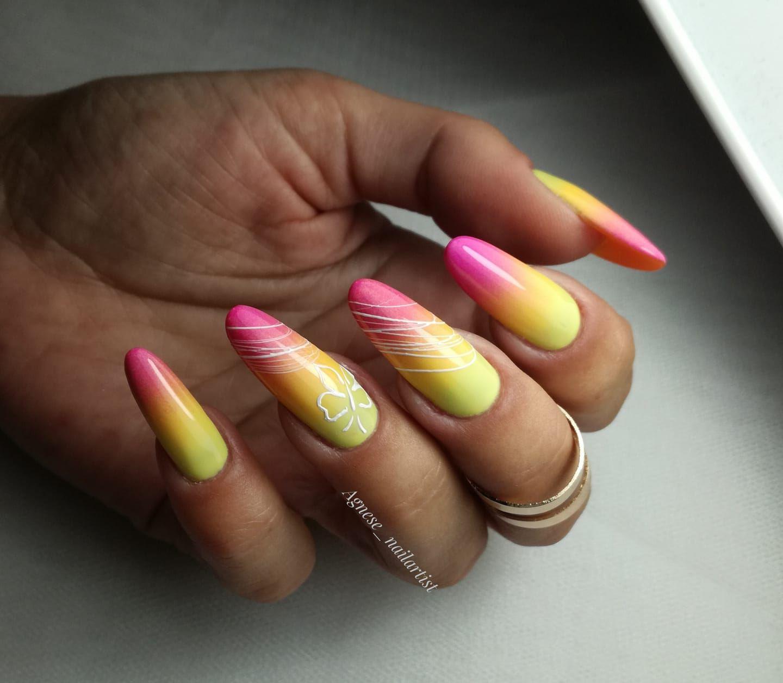 zółte ombre na paznokciach
