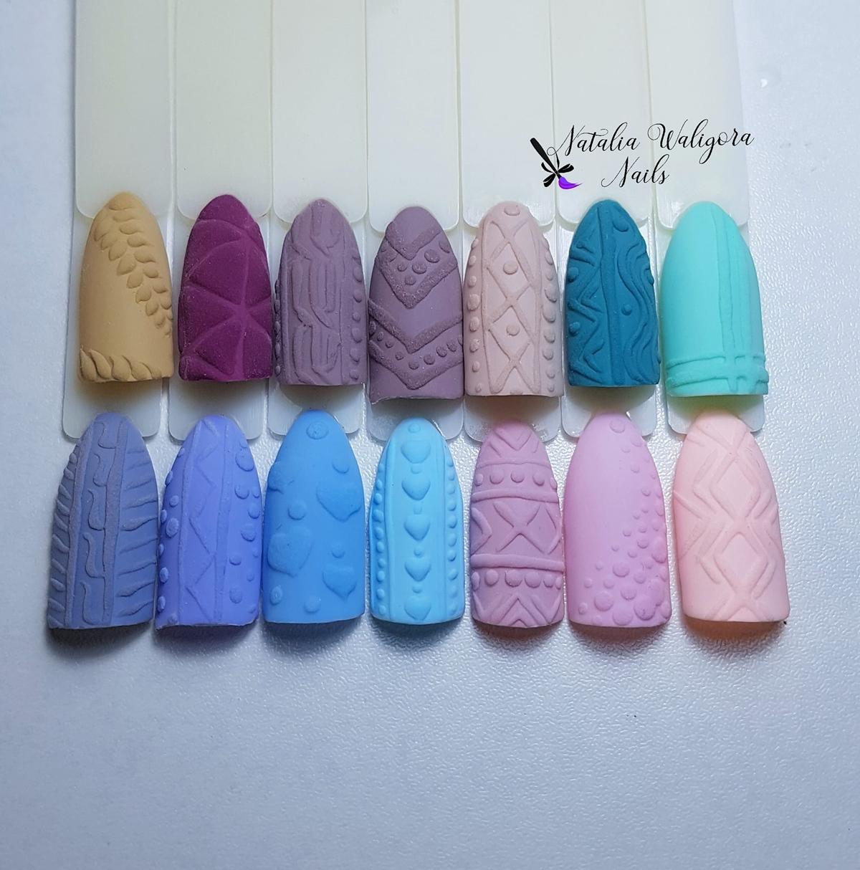 wzorki sweterki na paznokciach