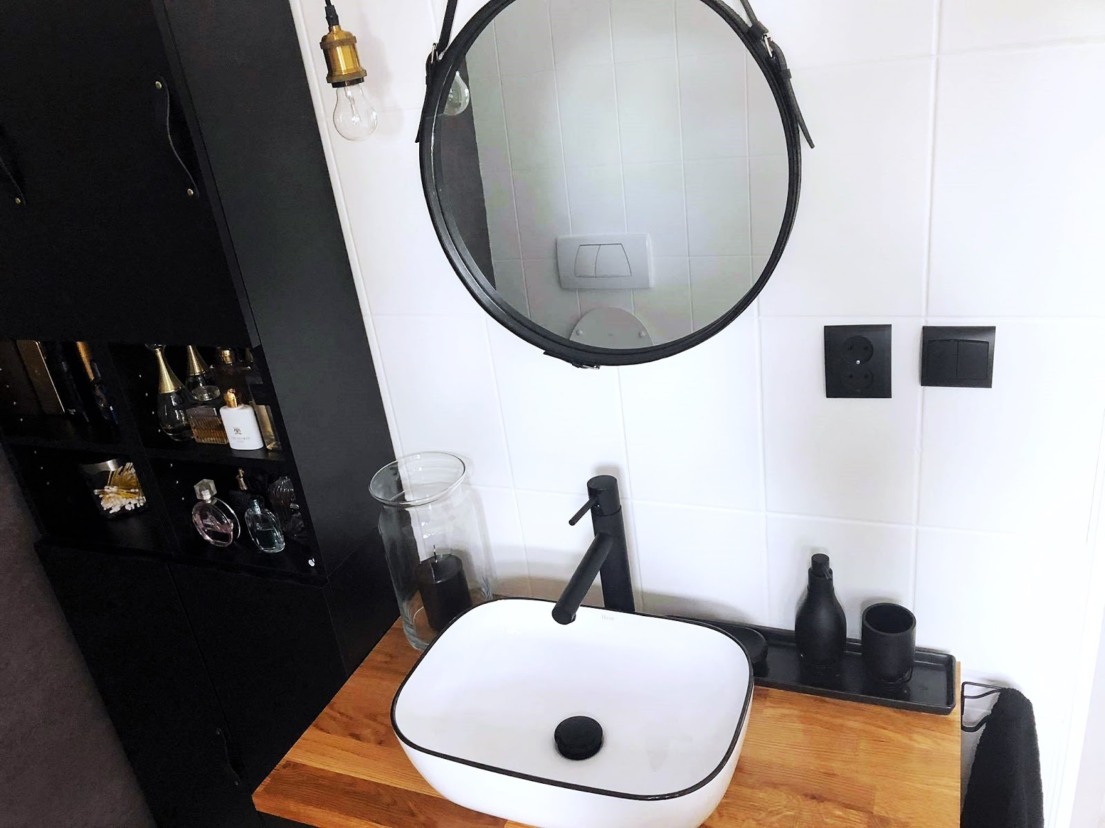 biało czarna umywalka
