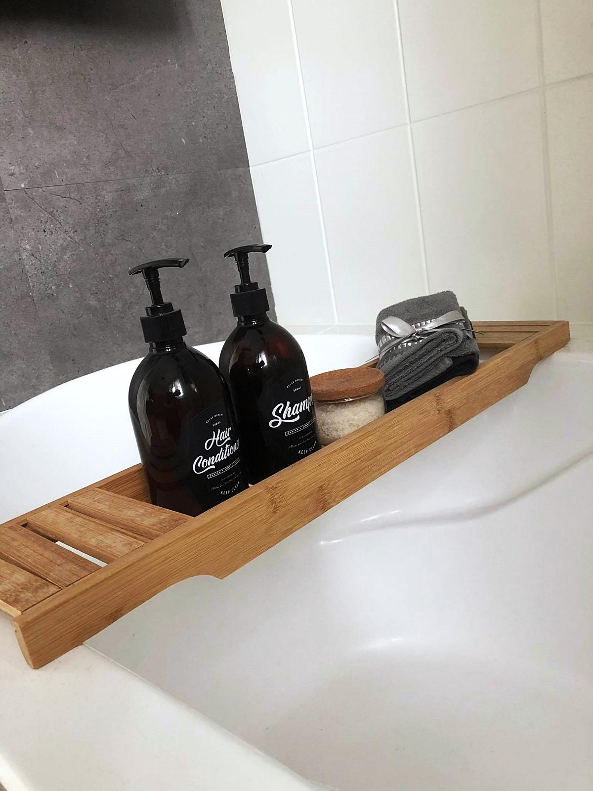 drewniana deska w łazience