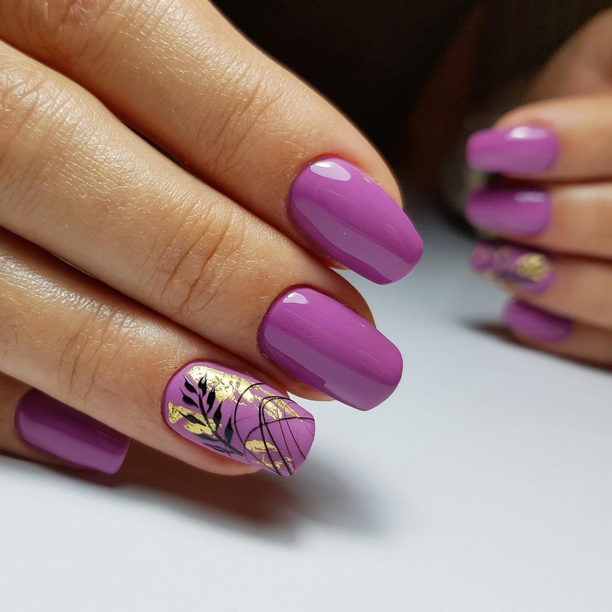 fioletowe paznokcie zdjęcia