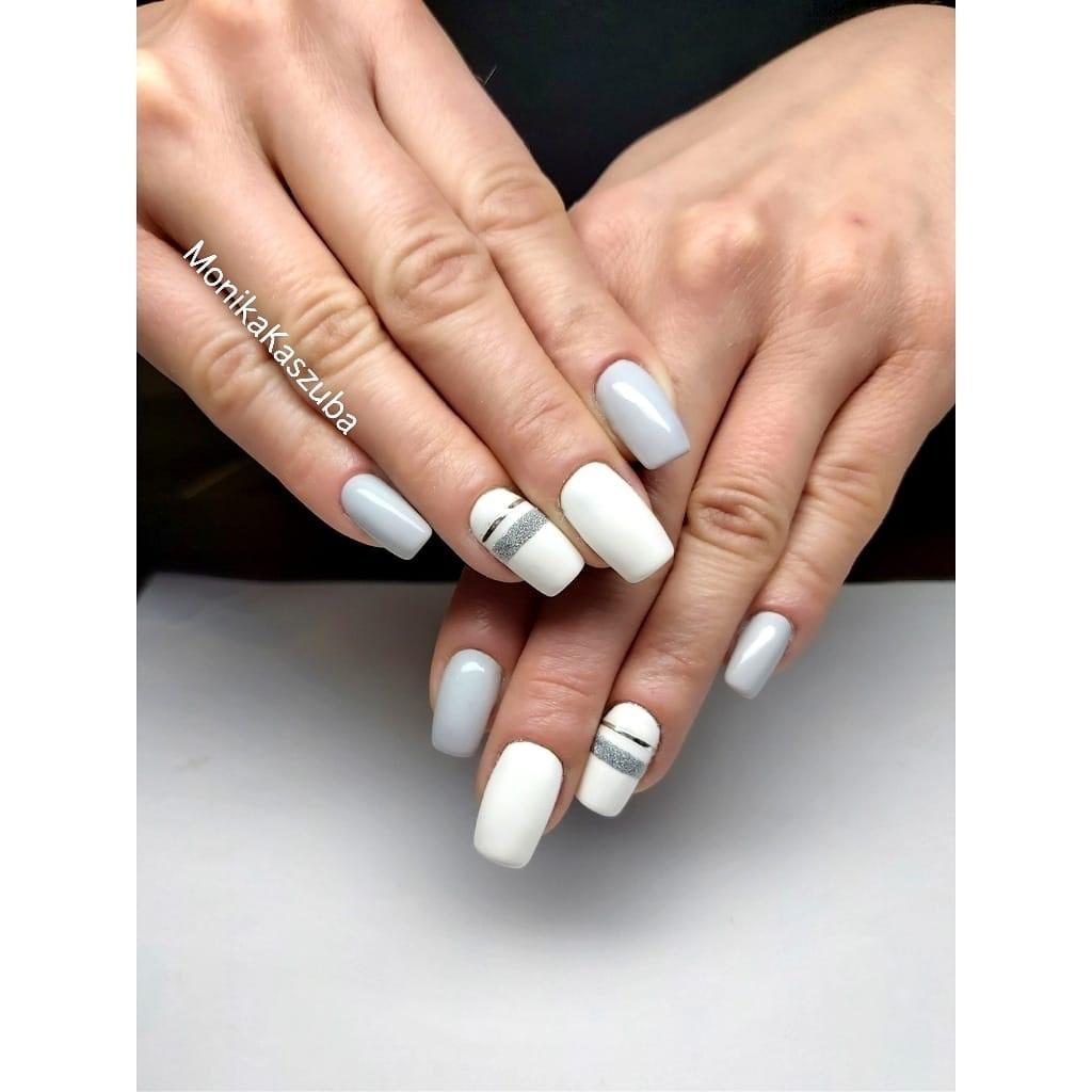 paznokcie białe