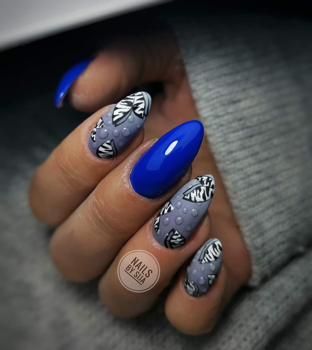 paznokcie niebieskie zdjęcia