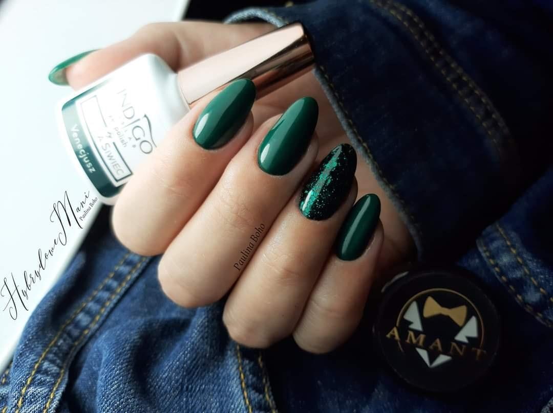 paznokcie zielone